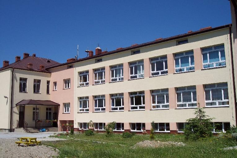 Ropica_szkola